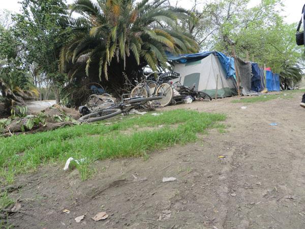 Multi-tent Complex